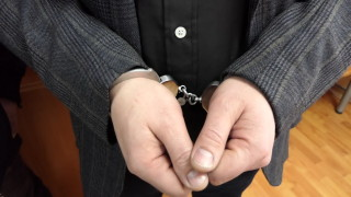 Арестуваха трима грузинци, обирали аптеки в страната