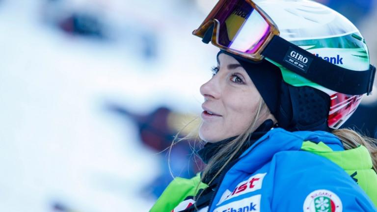Най-добрата българска състезателка в сноуборд кроса Александра Жекова отпадна на