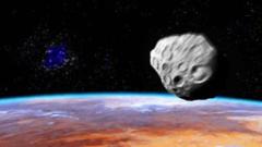 Наши астрономи следят опасен астероид