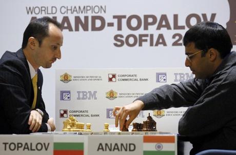 Ананд спечели втората партия срещу Топалов