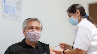 """Повече от 100 000 аржентинци получили двe дози на """"Спутник V"""""""