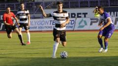 Локомотив (Пловдив) вгорчи рождения ден на Крушарски с равенство срещу последния Етър