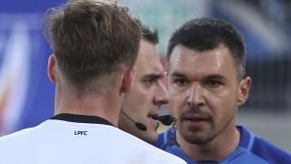 Бруно Акрапович скочил на бой на Валери Божинов