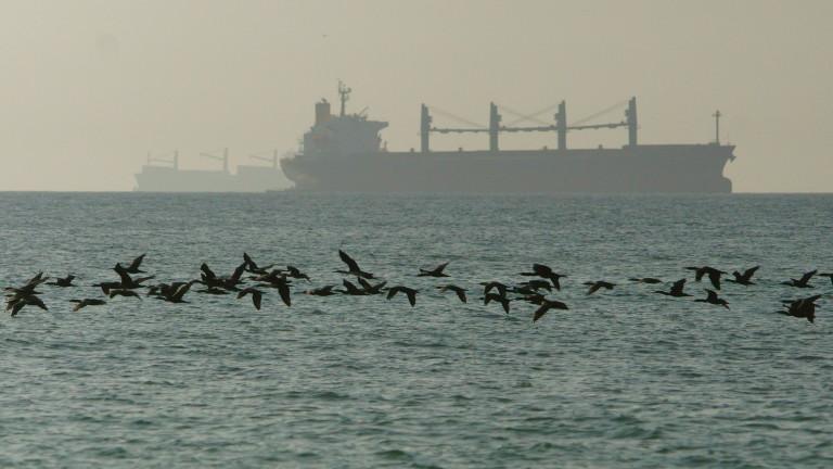 Иран задържа още един танкер в Персийския залив