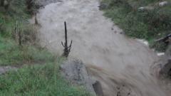Пътища в Благоевградско под вода заради проливен дъжд