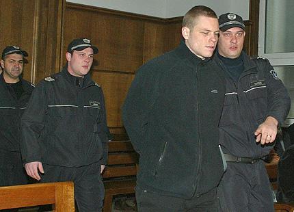 Фрийман остава в ареста