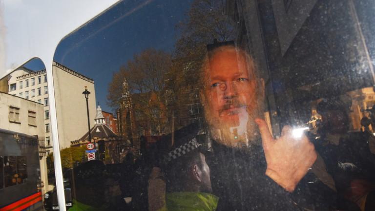 САЩ няма да обвинява основателя на WikiLeaks Асандж