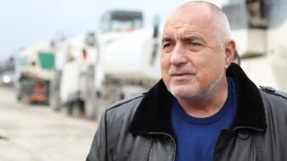 Борисов: Не юркаме никого да ходи по ресторанти и молове
