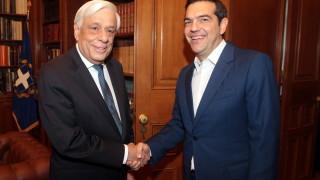 Гръцкият президент разпусна парламента