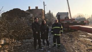 Назначават безработни за разчистване на срутените къщи в Хитрино