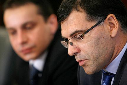 Гнусно е съдебната система да иска бонуси, изригна Дянков