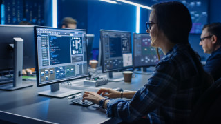 Интелигентна защита в облака пази от киберпрестъпници