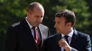 Румен Радев разговаря с държавния глава на Франция Еманюел Макрон