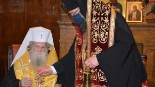 Патриарх Неофит получи Благодатния огън