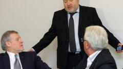 СДС изхвърли трима депутати, Надежда напусна сама