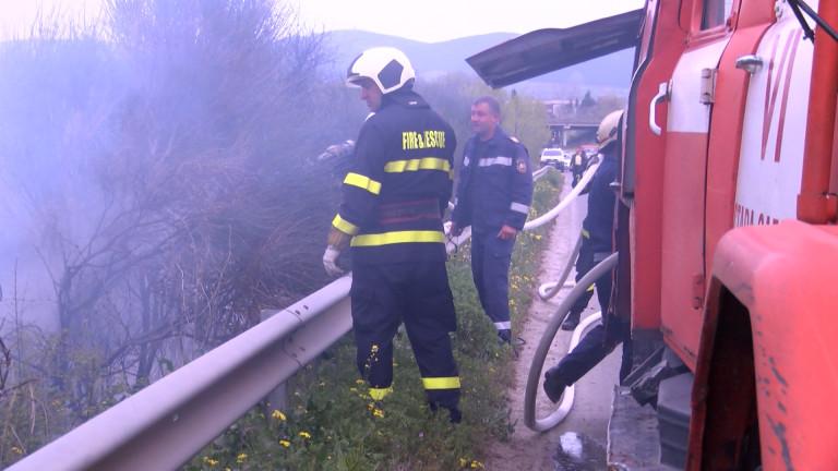 Подпалиха бивш завод за метални конструкции, който е на изхода
