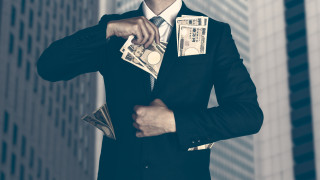 Милионерите вече държат почти половината от богатството по света