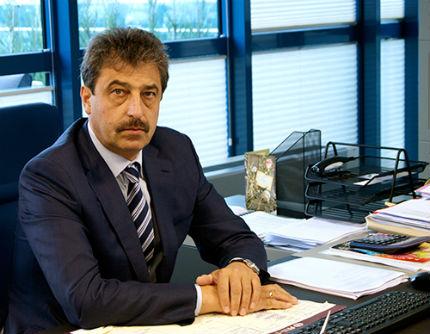 Живеем в безправова държава, твърди Цветан Василев; Първанов преизбран за председател на АБВ с над 90%