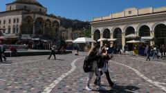 Гърция мисли за ограничения за неваксинирани, но няма да ги спира от магазини на дребно