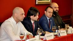 """""""Група 5"""" не се поддава на ухажорите в Столична община"""