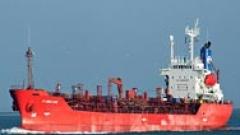 Пирати отвлякоха танкер с българи на борда