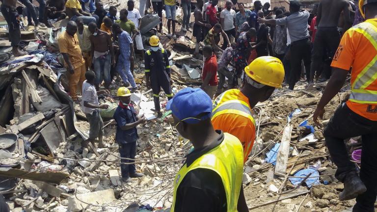 16 загинали и 41 спасени след срутването в Нигерия
