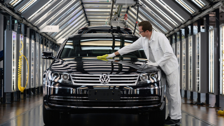 VW спира производството на Phaeton. Но това не е краят на модела