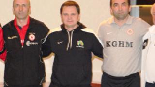Бивш треньор на ЦСКА с рекорд в Азия