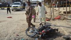 Въоръжени щурмуваха луксозен хотел в Пакистан