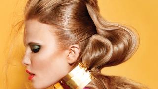Нестандартни коси за бала