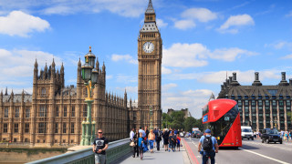 Великобритания настоява Лондон да бъде освободен от данъчния план на Г-7