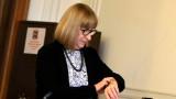 Цачева искала с оставката си да свали напрежението около Борисов