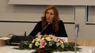 Ангелкова обеща на бизнеса преместваемите обекти да останат