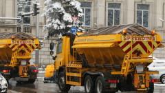 370 машини са почиствали пътищата през нощта