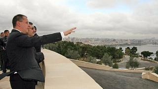 Искаме силни икономически връзки с Азербайджан