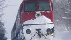Възстановиха движението на влаковете, но без теснолинейката Велинград-Добринище