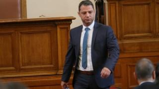 Конституционният съд ще гледа оставката на Делян Добрев