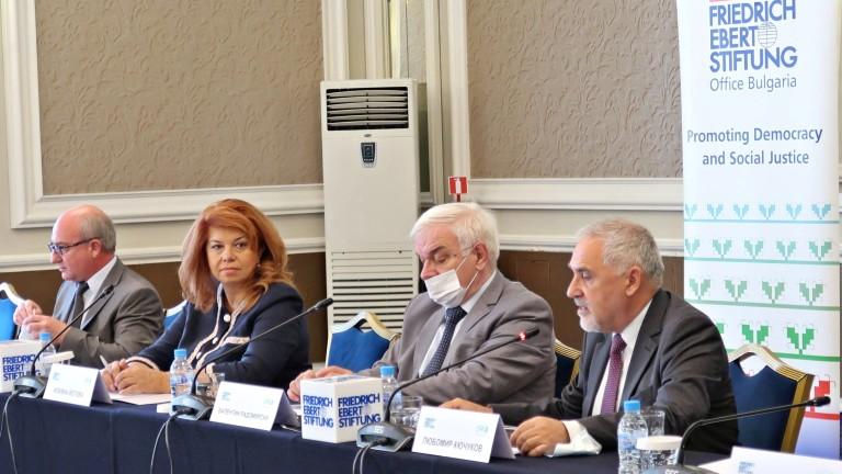 Йотова: ЕС не е готов за бежанците, както не беше и за коронавируса
