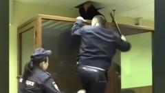 Обвинен за убийство се опита да избяга от съд в Москва през тавана