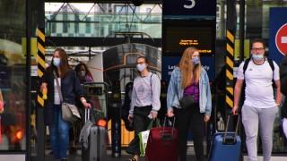 Британия въвежда ваксинационни паспорти за британските туристи