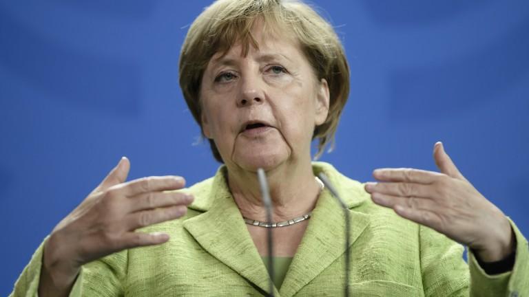 Ескалацията на риториката не помага на САЩ И КНДР, убедена Меркел
