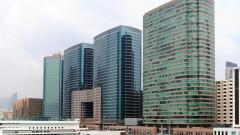 Защо някои небостъргачи в Хонг Конг имат дупки