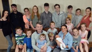 Британско семейство очаква 20-ото си дете