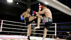 Даниел Илиев нокаутира Деян Топалски в четвъртия рунд