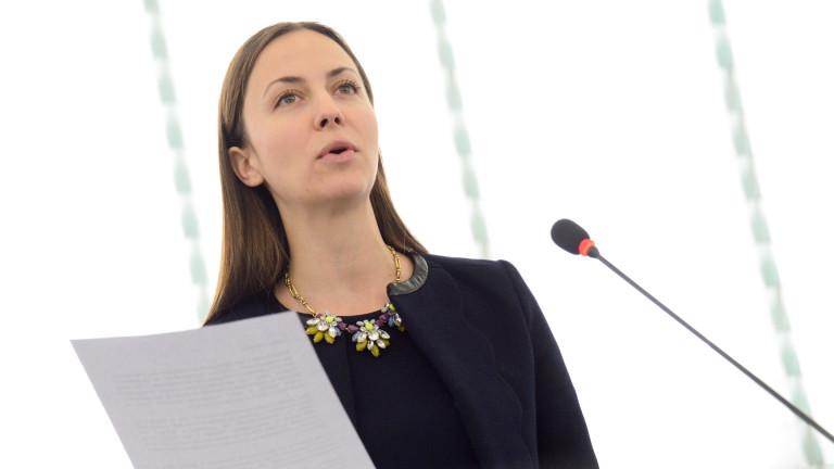 Ева Майдел: До 2 години ще има дефицит на 750 000 ИКТ специалисти