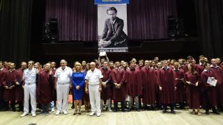 235 випускници на Военноморското училище получиха дипломи на тържествена церемония