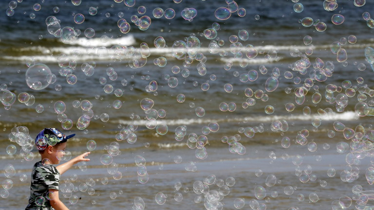 Жега! Само за море