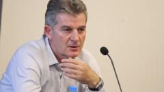 Емил Костадинов: Колегите държат да има плейофи