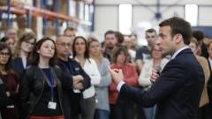 Еманюел Макрон продължава да е фаворит за нов президент на Франция