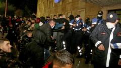 Албанският вътрешен министър хвърли оставка след протестите